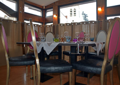 Table véranda le Ferrière