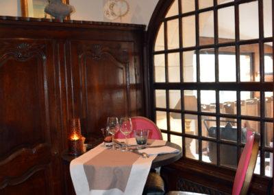 Table pour 2 personnes en salle intime