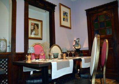 Table pour 4 personnes en salle
