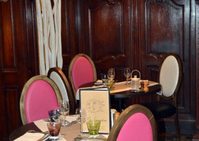 Table pour 3 personnes en salle