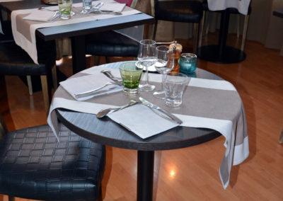 Table pour 2 personnes en véranda